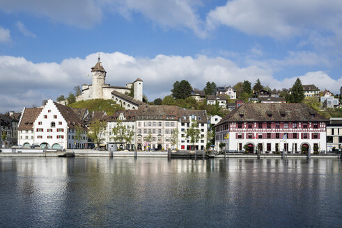 Switzerland, Canton of Schaffhausen, View of Old town with Munot Castle, High Rhine river - ELF001403