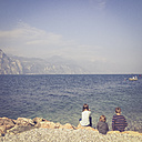 Italy, Brenzone sul Garda, siblings at Lake Garda - LVF002234