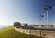 Germany, Lower Saxony, Wilhelmshaven, Fliegerdeich with plastic art, wind sensors - EVGF000998