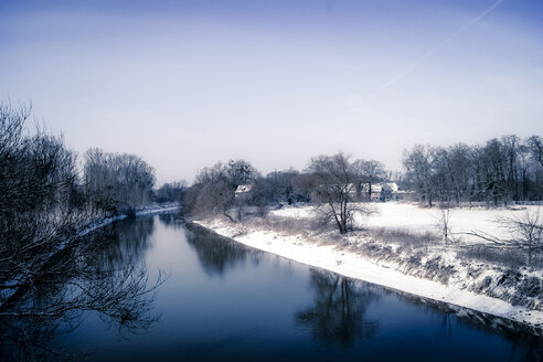 Germany, Hesse, Stockstadt  am Rhein, landscape with river in winter - PUF000298