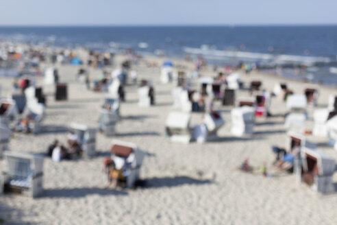 Germany, Mecklenburg-Western Pomerania, Ruegen, beach at Baltic seaside resort Binz - HCF000075