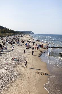 Germany, Mecklenburg-Western Pomerania, Ruegen, beach at Baltic seaside resort Binz - HCF000077