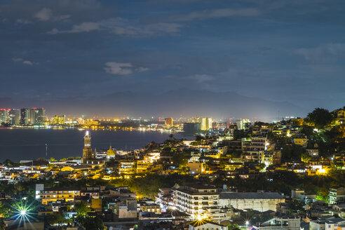 Mexico, Jalisco, Puerto Vallarta at night - ABAF001580