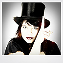 Woman with top hat - HOHF001119