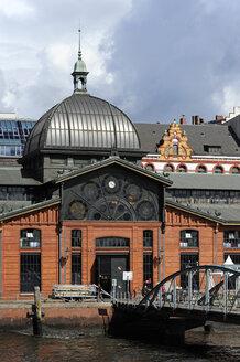 Germany, Hamburg, fish market hall - MIZF000774