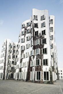 Germany, Dusseldorf, Media Harbour, Gehry-buildings in the restored harbour district - MEM000518