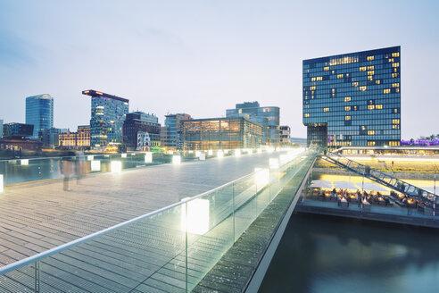 Germany, Dusseldorf, Media Harbour, Restaurant at The Living Bridge - MEMF000538