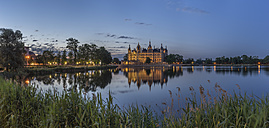 Germany, Mecklenburg-Western Pomerania, Schwerin, Schwerin Palace in the evening - PVCF000199