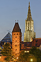 Germany, Baden-Wuerttemberg, Ulm, Metzgerturm and minster in the evening - SHF001583