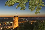 Germany, Baden-Wuerttemberg, Ravensburg, town tower Mehlsack and Blaserturm at night - SH001588