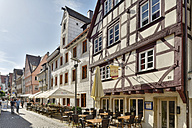 Germany, Baden-Wuerttemberg, Ulm, half-timbered houses in old town - SHF001602