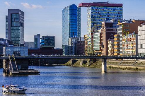 Germany, North Rhine-Westphalia, Duesseldorf, Media harbour, Office buildings - THA000943