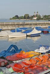 Germany, Baden-Wuerttemberg, Lake Constance, Friedrichshafen, paddleboats at harbor - SH001751