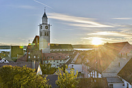 Germany, Baden-Wuerttemberg, Ueberlingen, old town with St. Nicholas' Church - SH001736