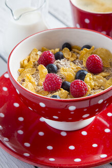 Bowl of granola and cornflakes with fresh fruits - SARF001076