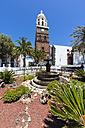 Spain, Canary Islands, Lanzarote, Teguise, Church Iglesia de Nuestra Senora de Guadalupe, Plaza la Constitucion - AMF003305