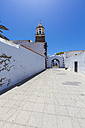 Spain, Canary Islands, Lanzarote, Teguise, Old town, Iglesia Nuestra Senora de Guadalupe and city gate - AMF003314