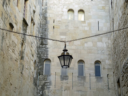 France, Haute-Garonne, Toulouse, hanging street latern - HLF000786