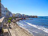 Italy, Sicily, Province of Trapani, Trapani, Old town, Beach and Via Mura di Tramontana Ovest - AMF003340