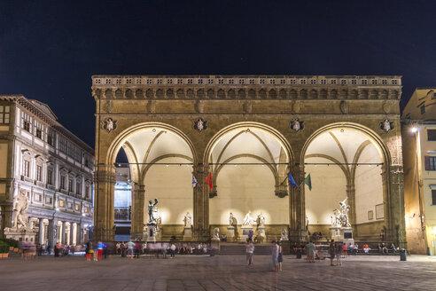 Italy, Tuscany, Florence, Piazza della Signoria, Loggia dei Lanzi at night - PUF000347