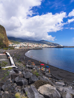 Spain, Balearic Islands, La Palma, Santa Cruz de la Plama, View to black lava beach - AMF003356