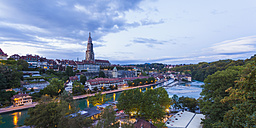 Switzerland, Bern, cityscape with minster and River Aare in the evening - WDF002748