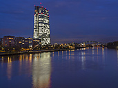 Germany, Frankfurt, River Main with ECB Tower and new campus - AM003415