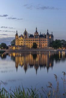 Germany, Mecklenburg-Vorpommern, Schwerin, Schwerin Castle at dawn - PVCF000253