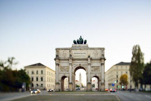 Germany, Bavaria, Munich, Siegestor at blue hour - BRF000888