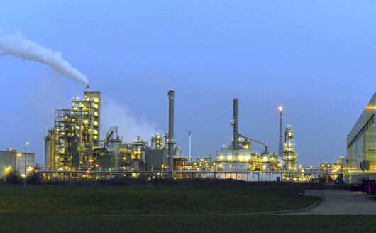 Germany, chemical plant at blue hour - LYF000392