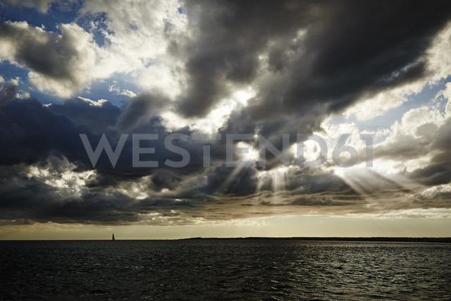 Spain, Balearic Islands, Mallorca, sea and cloudy sky at twilight - STKF001091