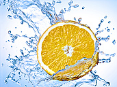 Slice of orange with water splash - RAMF000001