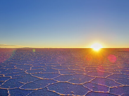 South America, Bolivia, Salar de Uyuni at sunrise - SEGF000185