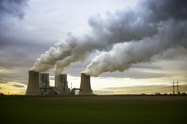 Gremany, North Rhine-Westphalia, Grevenbroich, Modern brown coal power station - GUFF000071