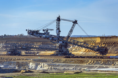 Germany, North Rhine-Westphalia, Grevenbroich, view to bucket-wheel excavator at brown coal mining Garzweiler - FRF000156