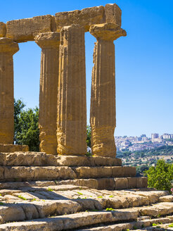 Italy, Sicily, Akragas, view to temple of Hera, temple D, at temple valley - AMF003501
