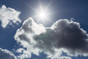 Sky with clouds and sun - DWF000230