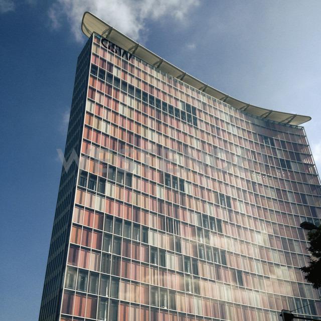 Germany, Berlin, facade of an office building - MS004408 - Mel Stuart/Westend61