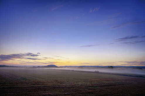 UK, Scotland, East Lothian, Haddington, sunrise above field - SMAF000282