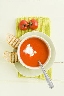 Tomato cream soup with baguette - ECF001622
