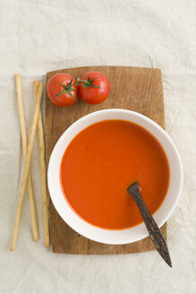 Tomato cream soup with grissini - ECF001625