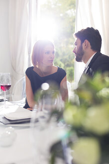 Elegant couple in restaurant - WESTF020400