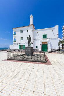 Spain, Canary Islands, Lanzarote, Arrecife, view to statue of Blas Cabrera Felipe - AMF003529