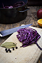 Preparing red cabbage - LVF002525