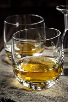 Tumblers with Whisky - SBDF001590
