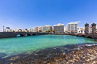 Spain, Lanzarote, Arrecife, waterfront promenade Avenida Olof Palme - AMF003538