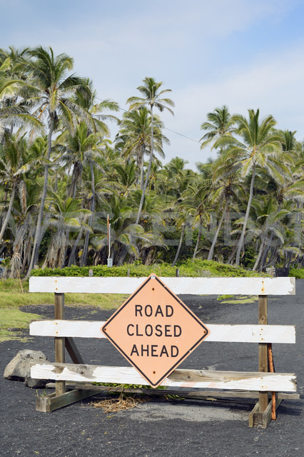 USA, Hawaii, Big Island, Pahala, road barrier at Punaluu Black Sand Beach - BRF000905