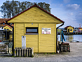 Germany, Mecklenburg-Western Pomerania, Freest, sign at fishing hut - BIG000038