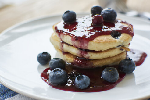 Lemon blueberry pancakes with blueberry syrup - HAWF000543