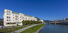 Austria, Salzburg, Hotel Sacher at Salzach river - AMF003564